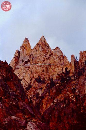 Sawtooth Pinnacles Warbonnet  Lake